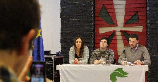 Euskal  Konstituzioa  aurkezten